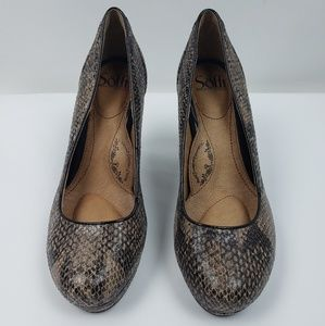 Sofft women platform animal print leather pumps